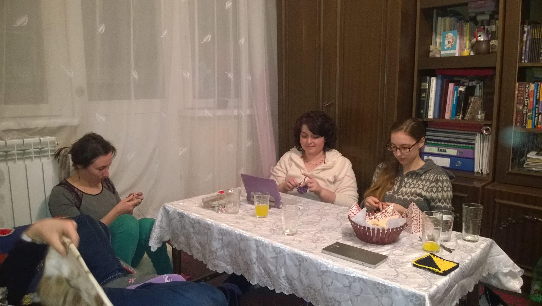 Crosetare si socializare